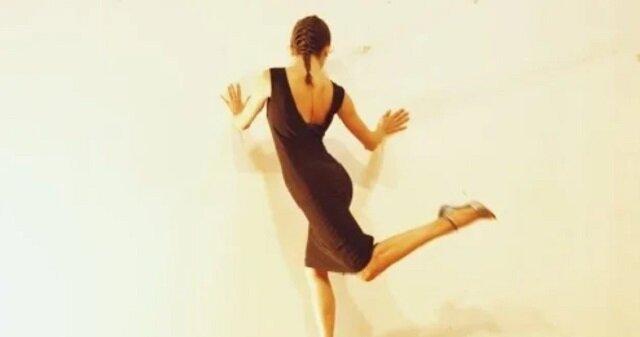 Tango ze ścianą. Niesamowita gracja tancerki