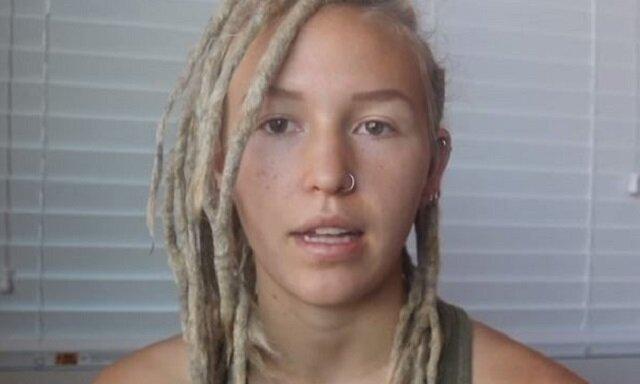 Dziewczyna rozczesywała dredy przez 5 dni, a potem pokazała, jak wyglądają jej włosy