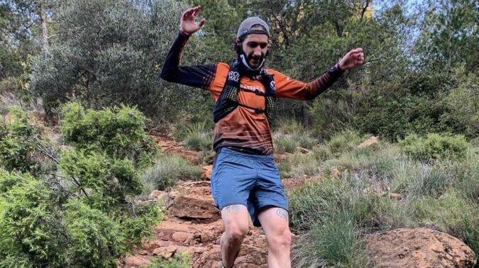 Mężczyzna nie ma 4 organów, a jest biegaczem