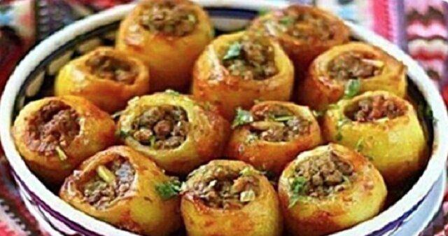 Nadziewane, pieczone ziemniaki. Pyszne danie na obiad