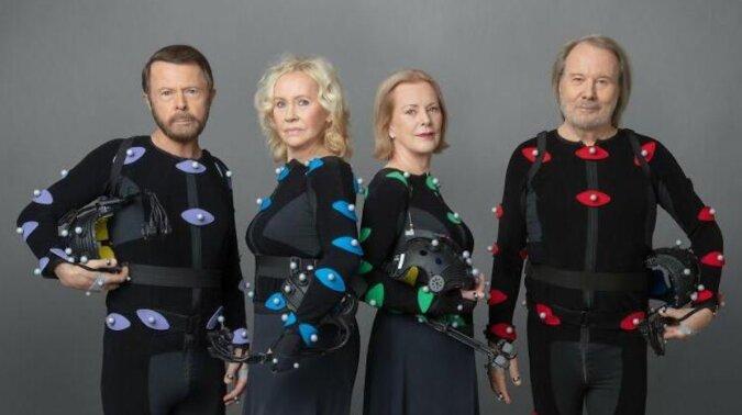 """Po 40 latach ABBA powraca: nowe technologie """"odmłodziły"""" muzyków"""