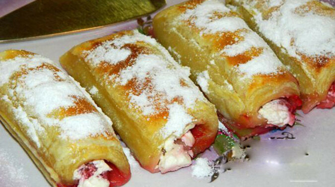 Rurki malinowe z ciasta francuskiego: smaczny wypiek