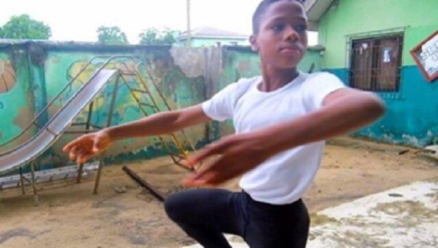 Chłopiec Afryki spektakularnie zatańczył w deszczu i stał się sławny