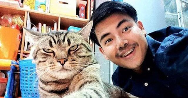 Mężczyzna zainstalował ukrytą kamerę w sypialni i dowiedział się, jak kot traktuje go w nocy