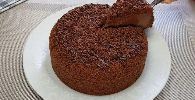 Rajski tort czekoladowy bez pieczenia. Pyszny, delikatny, czekoladowo-czekoladowy