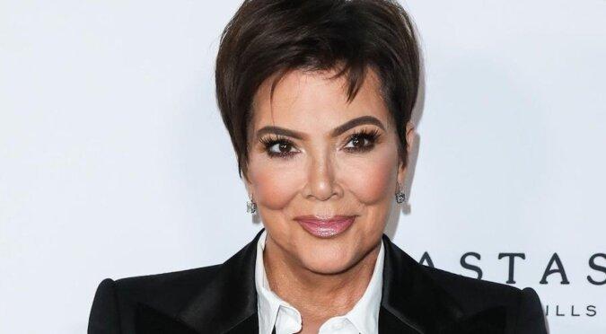 W Internecie jest dyskusja o niezwykłym wizerunku 65-letniej mamy Kardashian
