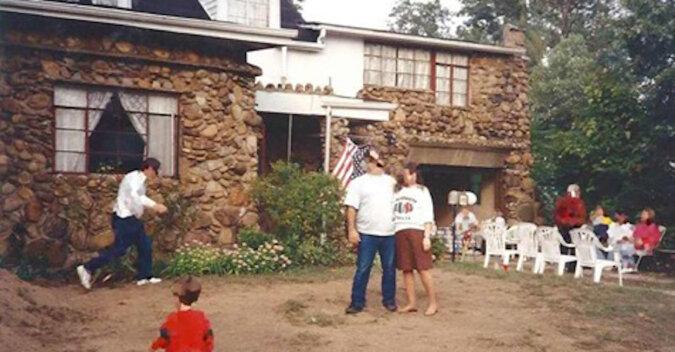 Pradziadek zbudował dom z kamieni i butelek i podjął właściwą decyzję