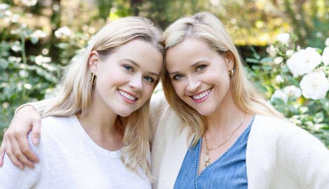 Córka Reese Witherspoon po raz pierwszy pokazała swojego przystojnego chłopaka, a mama nie pozostała obojętna