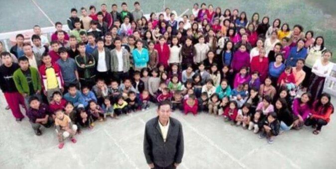 Ma 39 żon, 94 dzieci, 33 wnuków. Cała jego rodzina mieszka pod jednym dachem