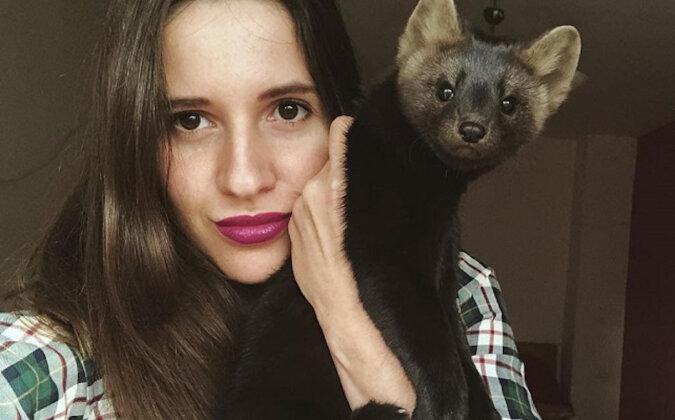 Dziewczyna uratowała zwierzę i dzieli się wrażeniami