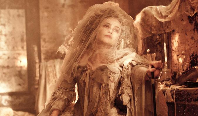 Historia panny młodej, która spędziła 35 lat w swojej sukni ślubnej