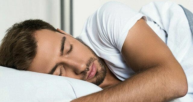 Lekarze określili najbardziej użyteczną pozycję do spania