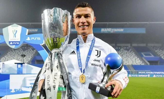 Cristiano Ronaldo 36 lat - jak żyje i ile zarabia najlepszy piłkarz świata