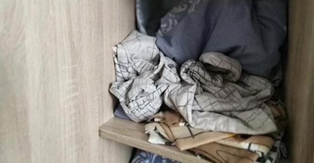 Kobieta znalazła sposób na nietypowe przechowywanie pościeli