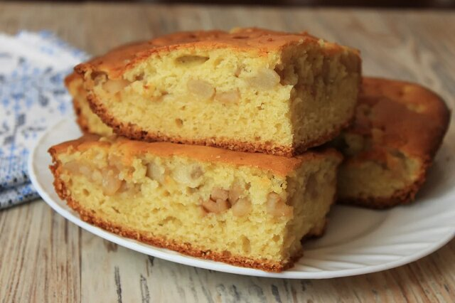 Znalazłam sposób, jak robić ciasta z płynnego ciasta, aby nadzienie nie opadało na dno: to takie proste, a nie wiedziałam o tym wcześniej