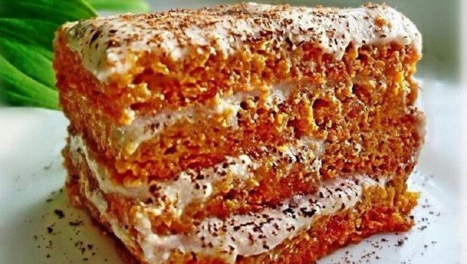 Ciasto marchewkowe z kremem bananowo-twarogowym. Bardzo smaczne połączenie