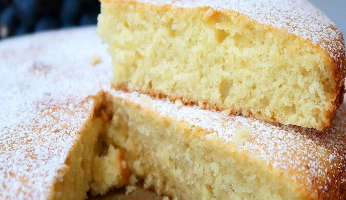 Niesamowite ciasto na kefirze: proste i bardzo pyszne