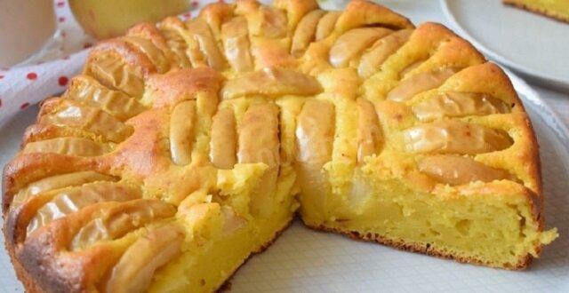 Obudzi lepiej niż kawa: szarlotka twarogowa z jabłkami jest uznawana za idealne śniadanie na orzeźwienie