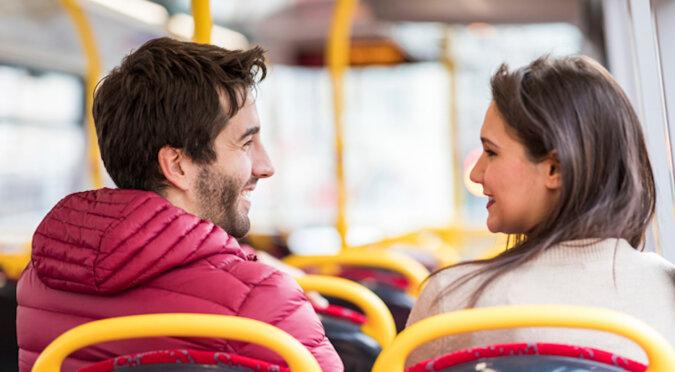 Amerykanka spędziła dwa lata szukając nieznajomego, który uśmiechnął się do niej w autobusie