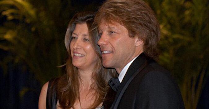 30-letnie małżeństwo Bon Jovi udowadnia, że szkolna miłość może zmienić się w miłość na całe życie