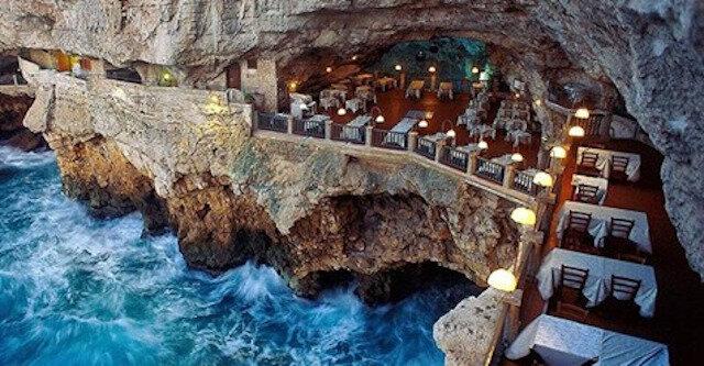 Włoska restauracja na wielowiekowym klifie z widokiem na morze