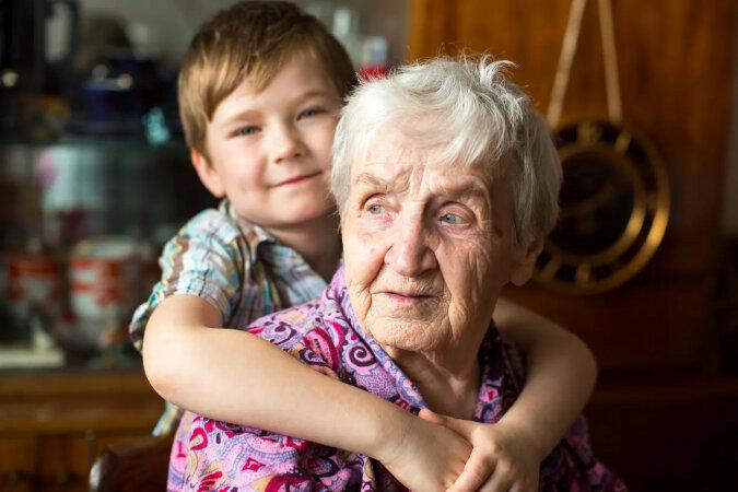 2-letni chłopiec i 99-letnia kobieta przypadkowo zostali bliskimi przyjaciółmi