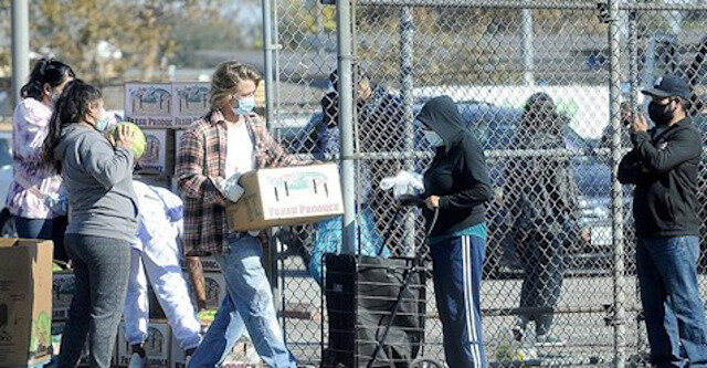 Brad Pitt pokazał na swoim przykładzie, jak celebryci powinni zachowywać się w trudnych czasach
