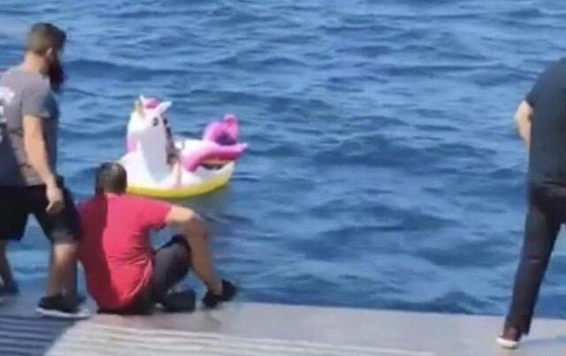 Dziewczynka została wyniesiona w morze na dmuchanym jednorożcu, na ratunek przybyła załoga promu