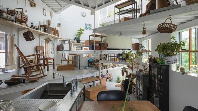 Najdziwniejszy dom w Japonii: na zewnątrz 2 piętra, wewnątrz – 13