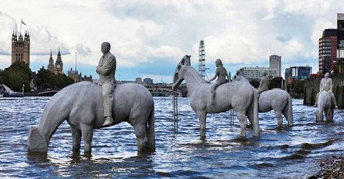 Te rzeźby są rzadko widziane w Londynie. Dowiedz się, co one oznaczają