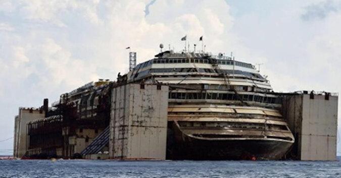 Tragedia wycieczkowa wydarzyła się z luksusowym liniowcem Costa Concordia, który zatonął w 2012 roku