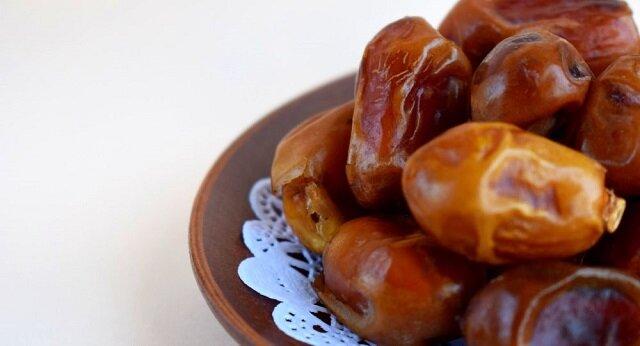 Najlepszy zastępca słodyczy: wady i zalety związane z daktylami