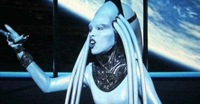 """Tak wygląda Diva Plavalaguna z filmu """"Piąty element"""" w prawdziwym życiu"""