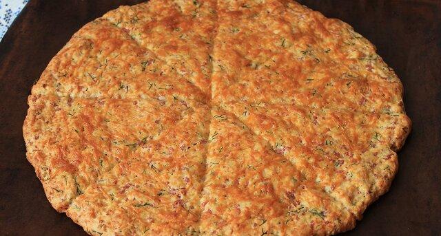 Szybkie lepioszki o smaku pizzy: wszystko zetrzyj, wymieszaj i wstaw do piekarnika