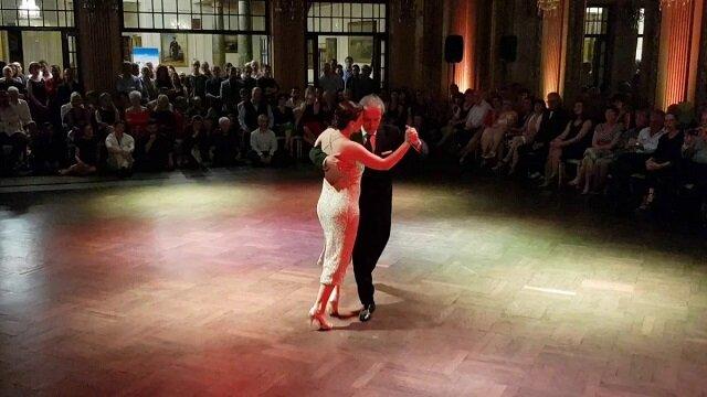 Pełen pasji występ starszego tancerza. Oto z kogo należy brać przykład