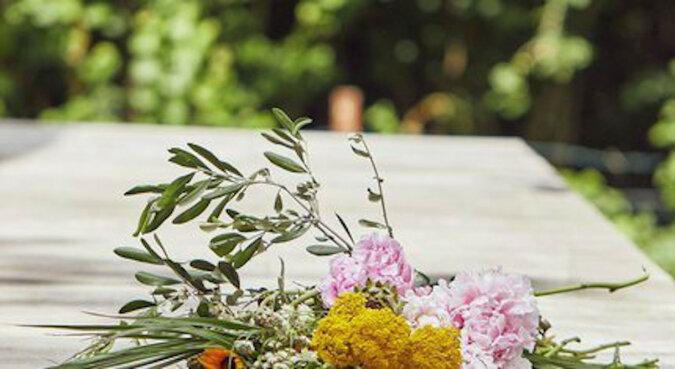 Codziennie rano dziewczyna znajdowała kwiaty na werandzie. Była zaskoczona kiedy poznała swojego fana