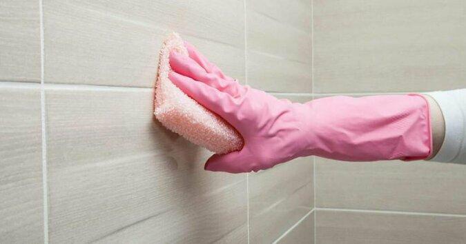Wypróbuj ten prosty trik podczas sprzątania łazienki – efekty Cię zaskoczą