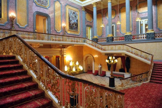 Panoramiczna wideo-wycieczka po Pałacu Buckingham