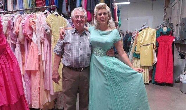 Mąż kupił jej 55 tysięcy sukienek w ciągu 56 lat małżeństwa