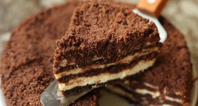 Nie musisz nawet wyrabiać ciasta: dzielę się przepisem na pyszne ciasto twarogowe