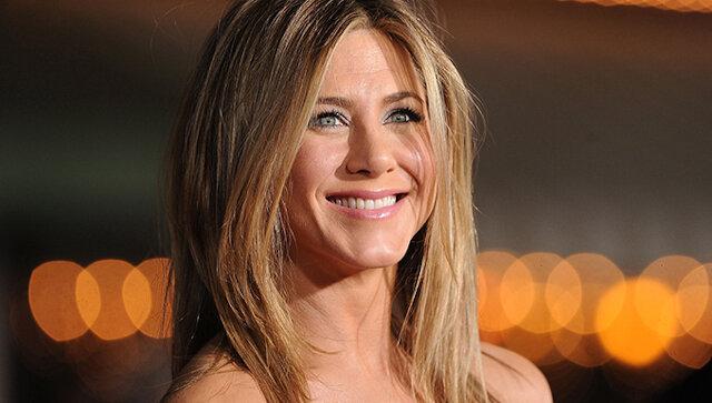 Jak Jennifer Aniston pokazuje na swoim przykładzie zmianę naszego podejścia do starzenia się