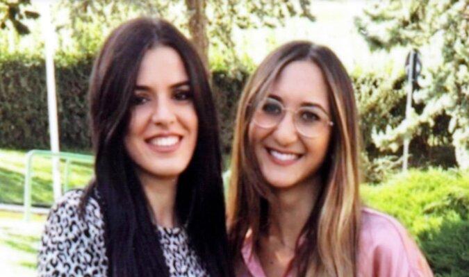 Matki znalazły genialne rozwiązanie, gdy dowiedziały się, że ich córki zostały pomylone w szpitalu