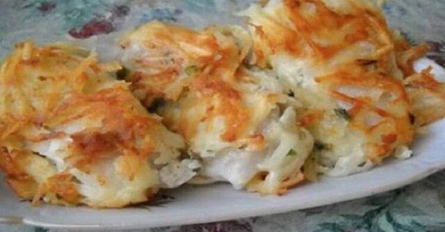Mam bardzo smaczny przepis na świąteczną smażoną rybę pod tartymi ziemniakami - prawdziwe danie restauracyjne