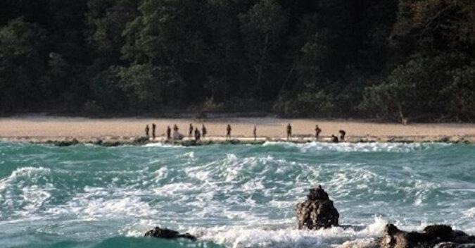 Wyspa, której odwiedzanie jest zabronione dla wszystkich ludzi na ziemi. Mieszkają tam nasi przodkowie