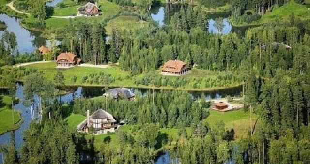 Łotewski milioner kupił 3000 hektarów lasu i stworzył prawdziwy raj na Ziemi