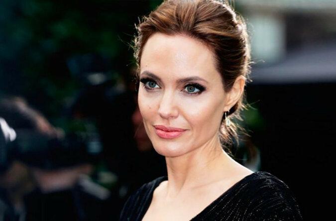 """""""Szczęśliwa nie do poznania"""": jak wygląda Jolie po przegranej w sądzie ze swoim byłym małżonkiem?"""