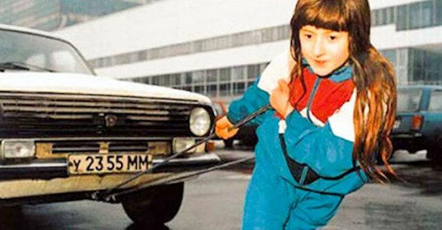 Bruce Chlebnikow w wieku 6 lat potrafił ciągnąć samochód marki Wołga, a w wieku 13 lat - samolot. Co on teraz robi w wieku 31 lat?