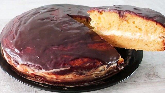 Szybki i tani tort na śmietanie z dżemem. Pycha