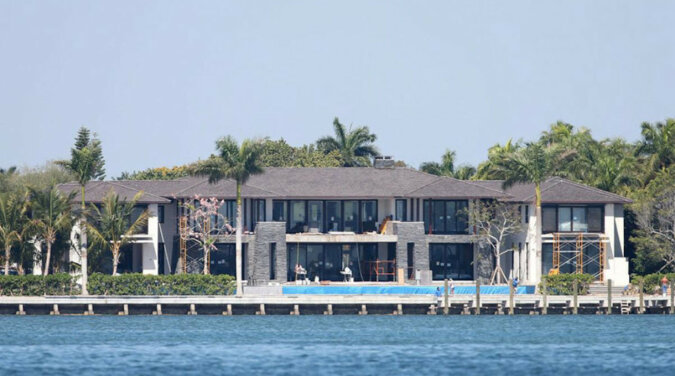 Gdzie mieszka rodzina Anny Kournikova i Enrique Iglesias?