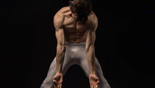 Spójrz tylko na tych bogów tańca. Ich kontrola ciała jest niesamowita